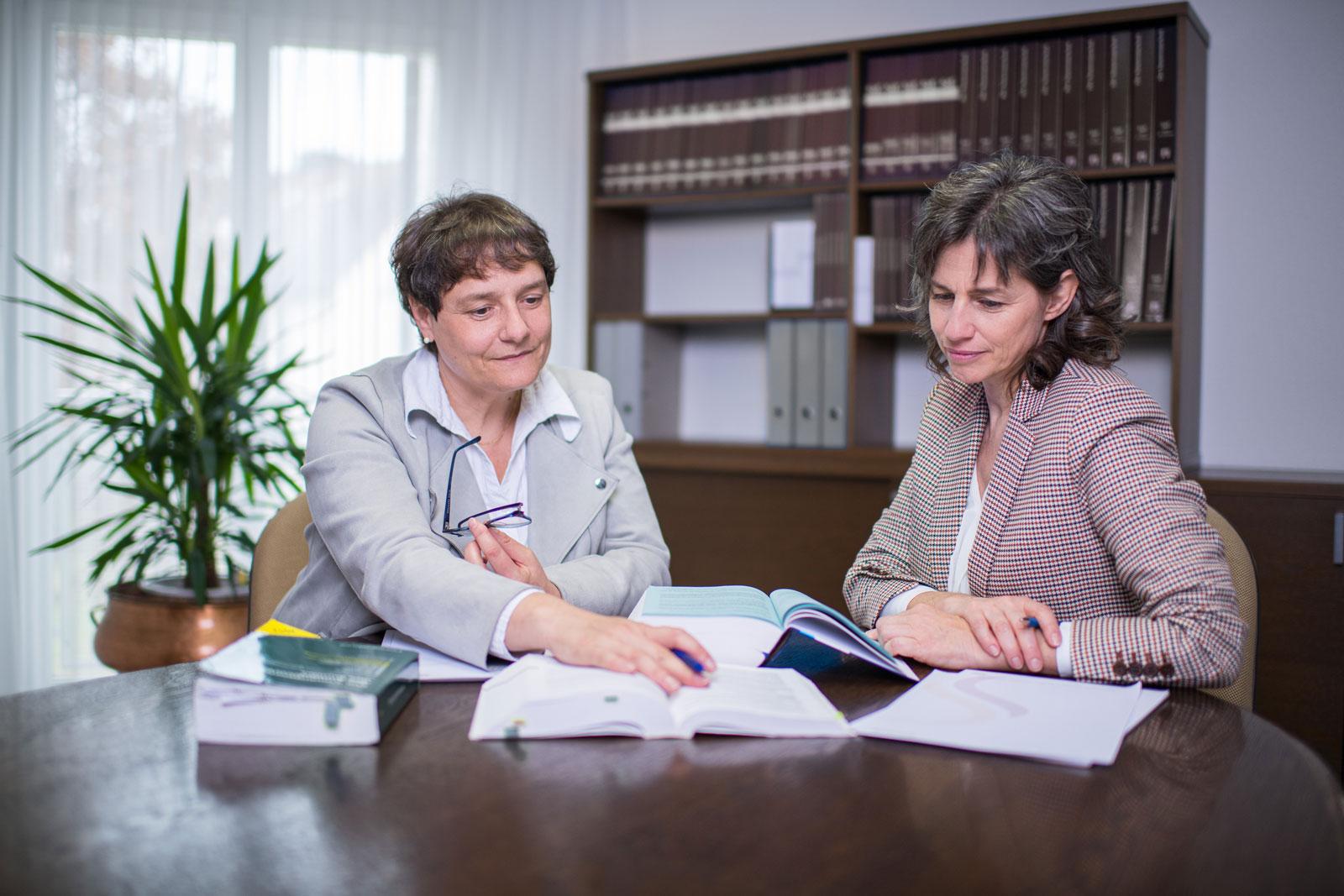 Sovaria Treuhand AG Kloten Sonja Kaspar und Mirjam Moser Besprechung